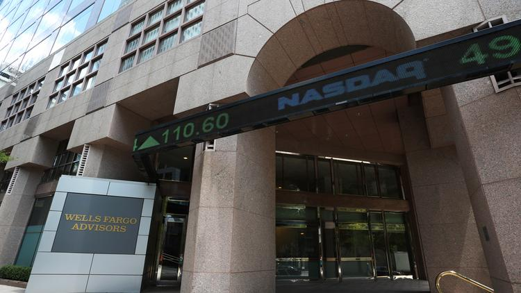 Wells Fargo earnings show improvement in third quarter