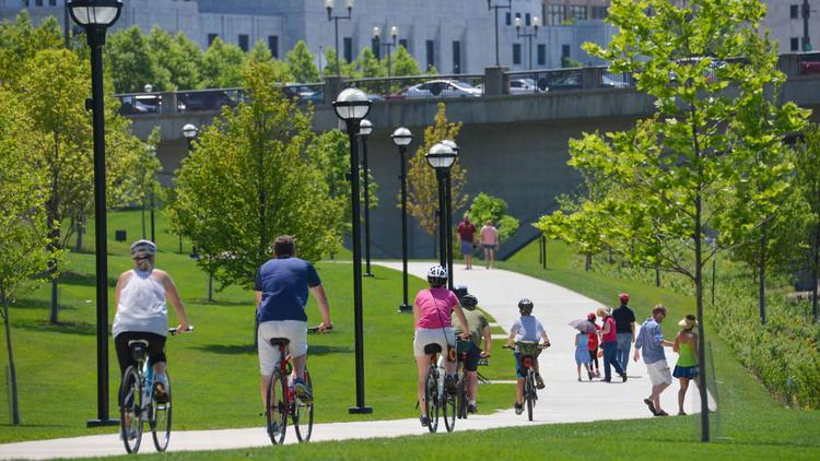 Landscaping at the Scioto Greenways downtown earned an Award of Excellence from the Ohio Chapter of the American Society of Landscape Architects.