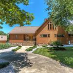 Home of the Day: Beautiful Estate on High Rock Lake