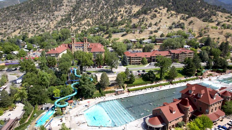 Glenwood Hot Springs Sprawls In Front Of The Hotel Colorado