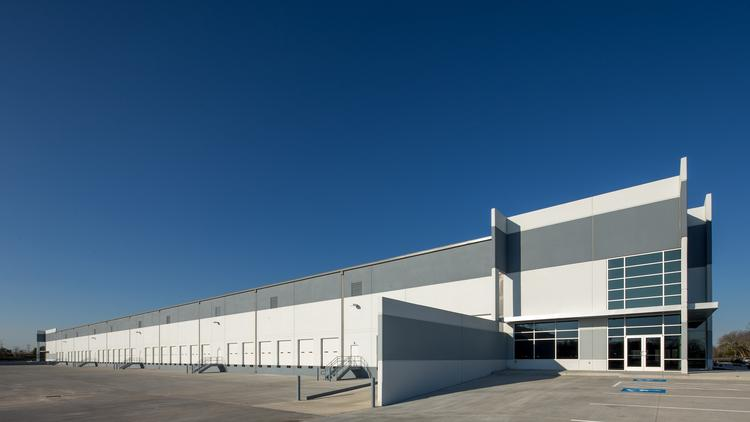 Tire Universe leased 42,430 square feet in Building 1 at Gateway Southwest Industrial Park, which San Antonio-based USAA Real Estate Co. and Illinois-based Conor Commercial Real Estate, a member of The McShane Cos., are developing.