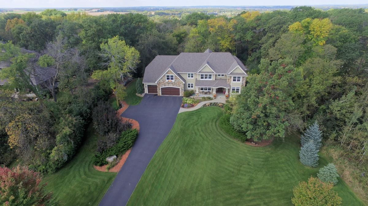 Dream Homes Large Home On 2 5 Acres In Credit River Is