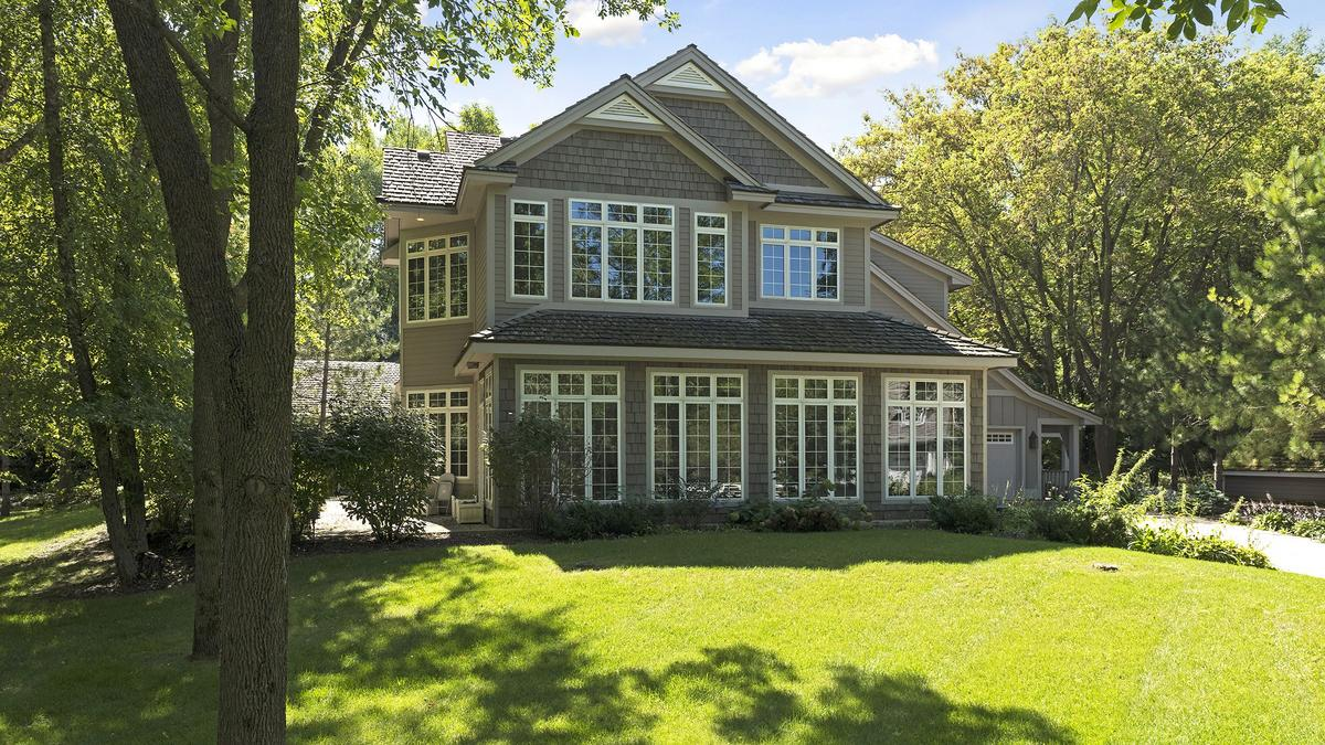 Pair of million dollar homes sell in carver county for 10 million dollar homes