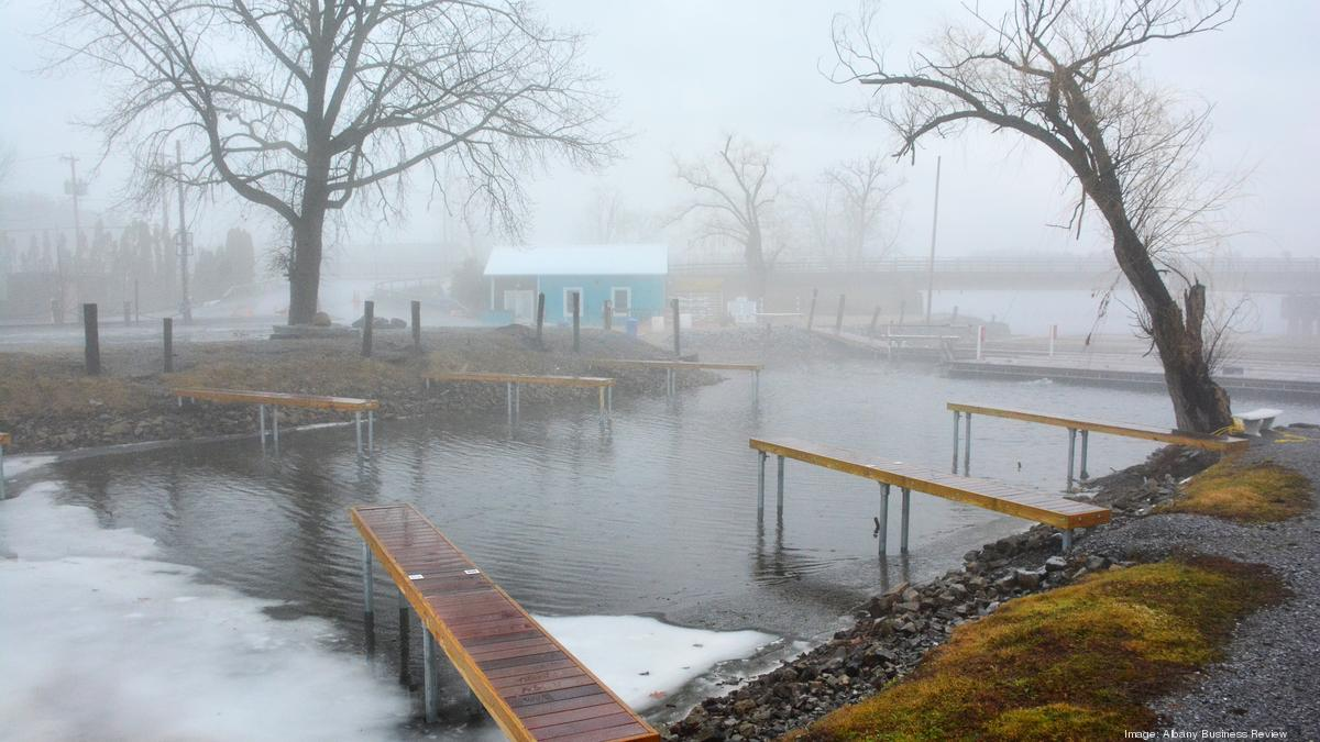 Saratoga springs investors plan inn restaurant for Saratoga lake fishing