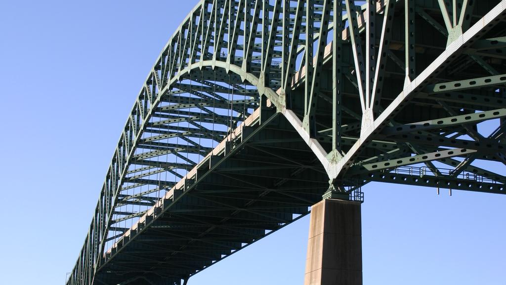 1950's construction methods led to crack in Delaware River Bridge