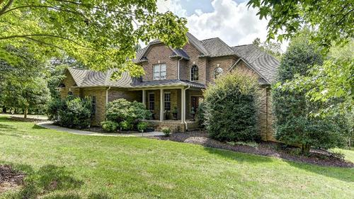Beautiful Custom Home in Waterfront Community
