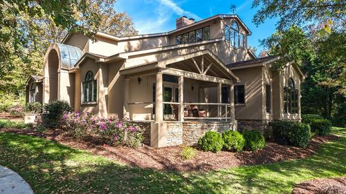 Stunning Estate Home in a Fly in / Fly Out Community