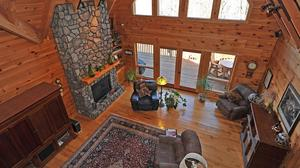 Best of Both Worlds…A Mountain Retreat With Community Access to the Lake