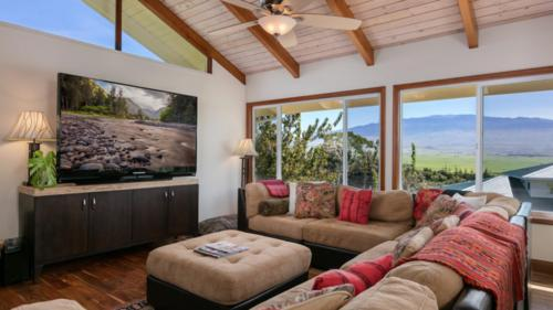 1 Acre in Waimea with Incredible Mauna Kea Views