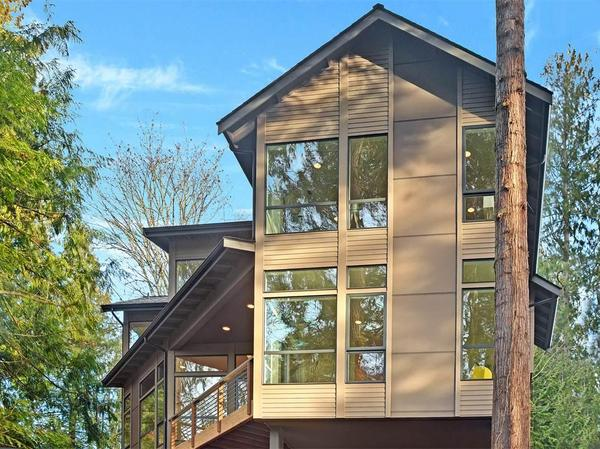 Home of the Day: Island Living on Manzanita