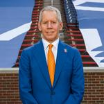 FC Cincinnati owner <strong>Lindner</strong> sells millions of dollars in company stock