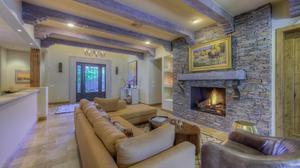 Wonderful Home Tucked Between Mummy Mountain and Phoenix Mountain Preserve