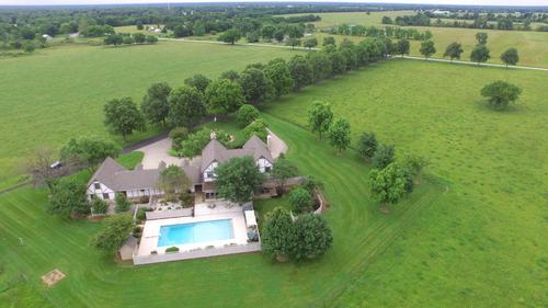 Gorgeous Pittsburg Home on 48 Acres!