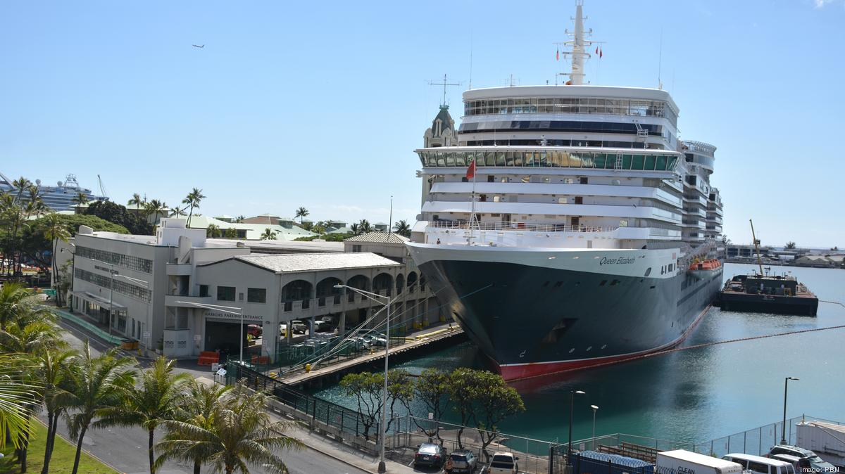 Cunard's Queen Elizabeth docks in Honolulul Harbor at