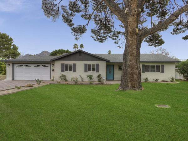 Extensively Renovated North Central Phoenix GEM in Madison School District