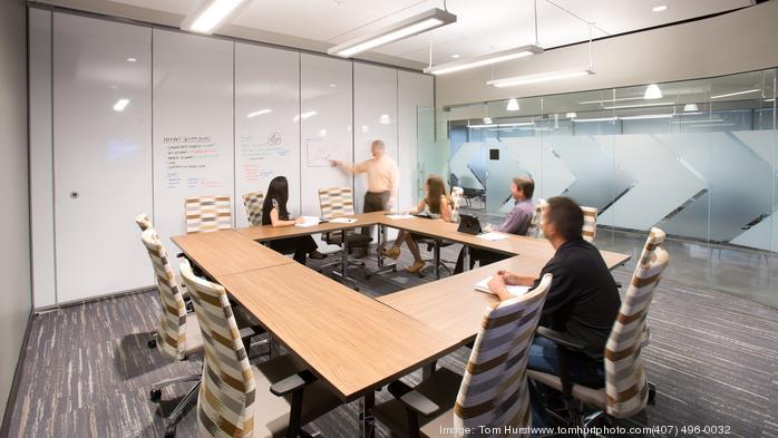 2017 Coolest Office Spaces: PCL Construction Services Inc.