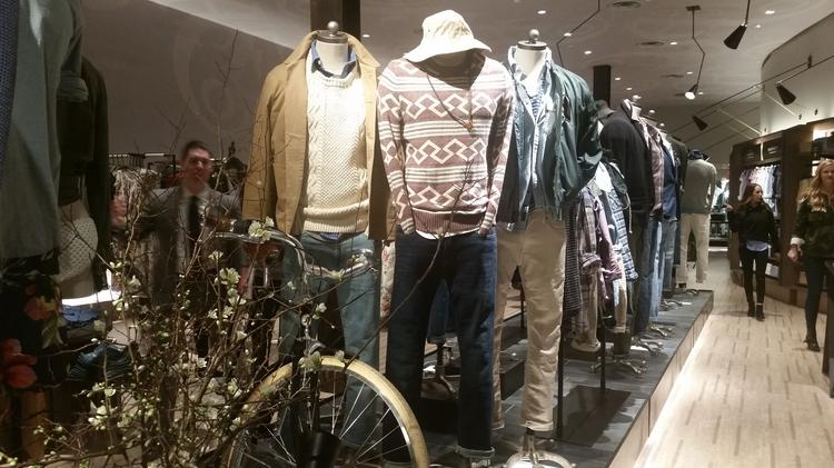 Abercrombie & Fitch (NYSE:ANF) opens new prototype store at