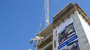 Johns Hopkins All Children's research building hits construction milestone (Video)