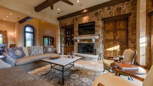 Seamless Indoor/Outdoor Living in Spanish Oaks