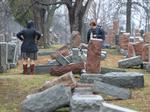 Linda Sarsour rallies Muslims for Jewish cemetery