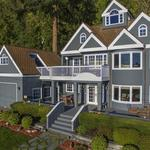 Home of the Day: Stunning Pacific Northwest Retreat at Water's Edge