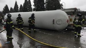 Alternative routes to get around tanker accident that shut down I-5 in Seattle
