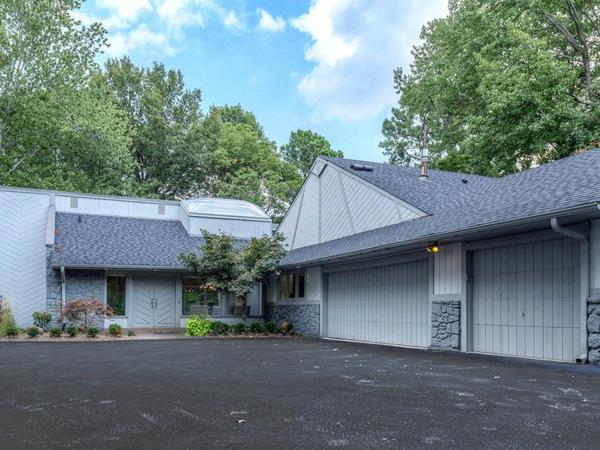 Dramatic Open Ladue Ranch