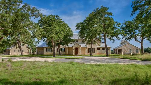Private Hill Country Estate in Boerne