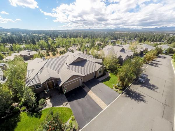 Beautiful Townhome with Mountain Views