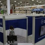 Lowe's brings virtual reality to some home-improvement stores
