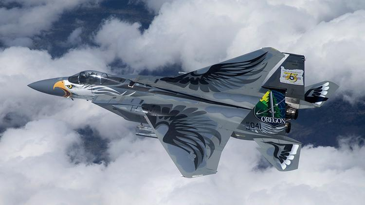 An F-15 Eagle operated by the Oregon National Guard wears the artwork of its namesake bird.