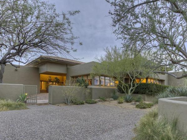 Fabulous Custom Home Perfectly Situated in the Heart of Desert Highlands!