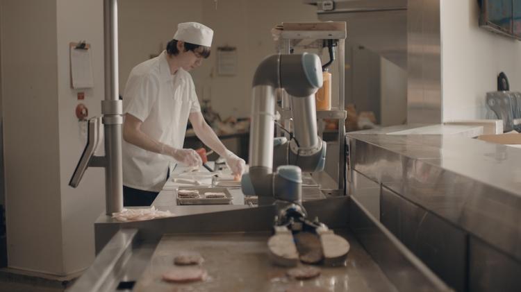Caliburger Uses Miso Robotics Flippy Ai Robot To Flip Burgers