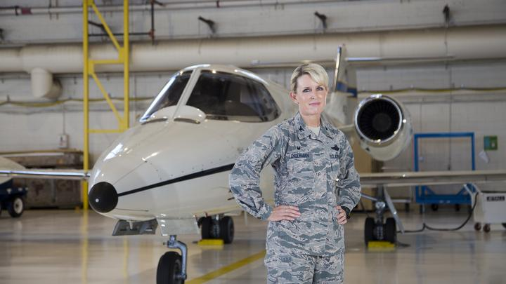 Air Force commander follows in her father's flight plan