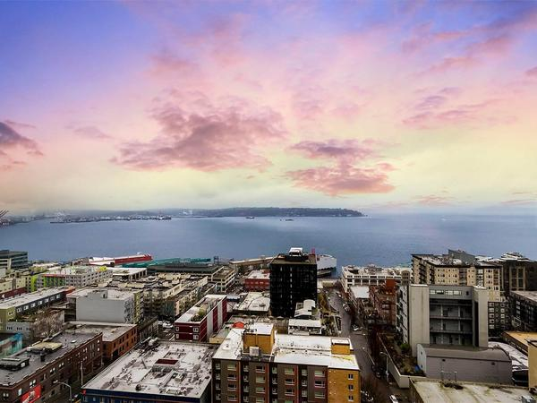 Stunning Sound, Mountains and the City Views in Belltown