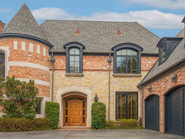 Home of the Day: 5655 Prestwick Lane