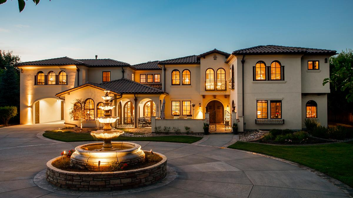Inside Former Sports Authority Ceo S Metro Denver Mansion