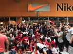 The Outlet Shoppes at Laredo open with Spring Break crowds (slideshow/video)