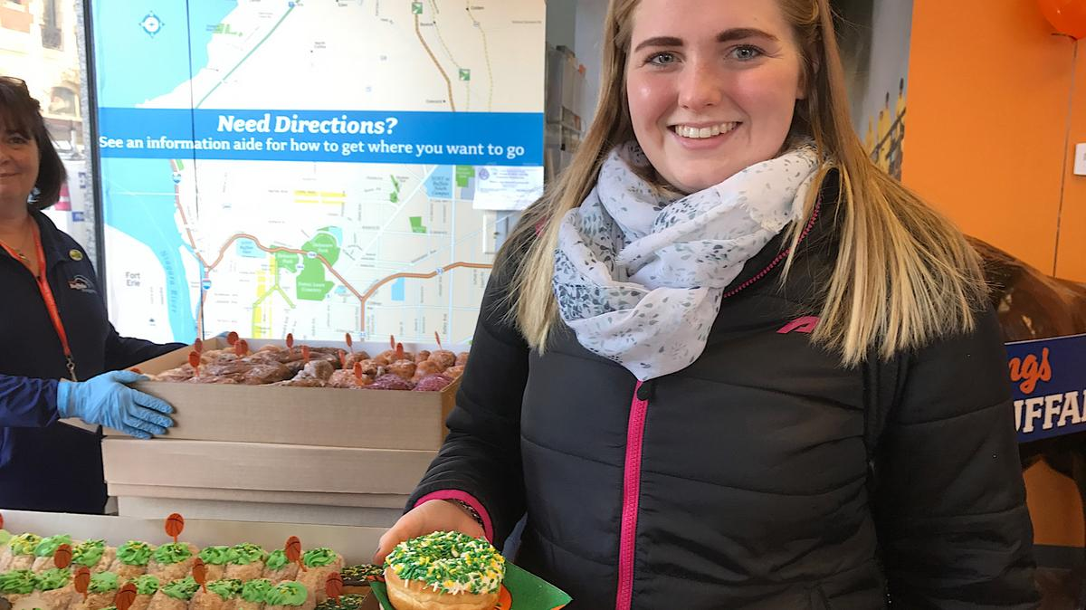 wholesale dealer 29f00 6e8d6 Paula's Donuts sweeten visitors' Buffalo experience ...