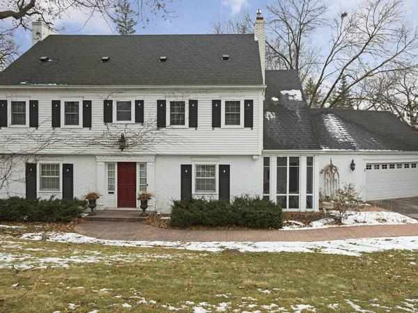Stately 4BR, 4BA Center Hall Colonial