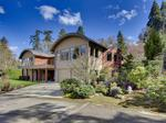 Home of the Day: Discover Luxury in this Stunning Modern Mercer Island Home