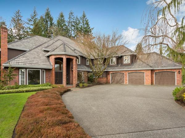 Home of the Day: Gorgeous Home in Highly Sought after Evergreen Community