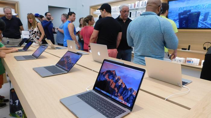 Apple opened a store at Brickell City Centre in Miami on March 25, 2017.