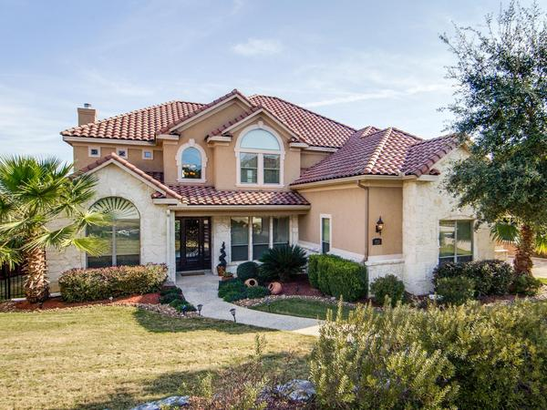 Home of the Day: Beautifully Designed Mediterranean-Style Home