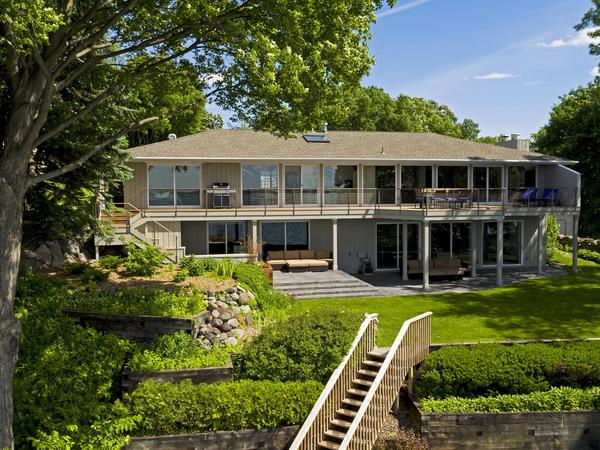 Stunning Lakefront Home in the Heart of Cottagewood