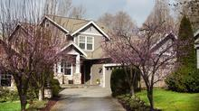 Bainbridge Island Cottage Walking Distance to Town & Seattle Ferry