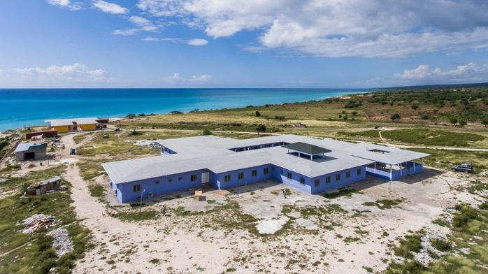 Mercy Health CEO helps open hospital in Caribbean