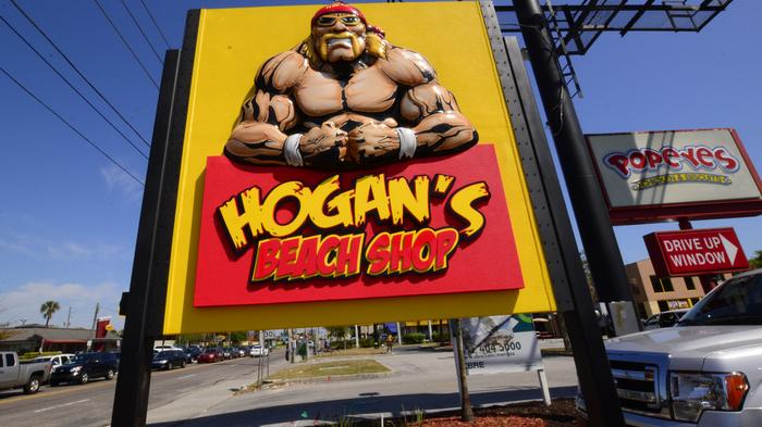 Sneak peek: Hogan's Beach Shop attracts fans, legends during grand opening preparations