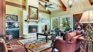 Beautiful Home in The Bristow of Upper Balcones