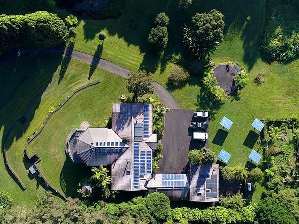 A House of Aloha & Luxurious Retreat